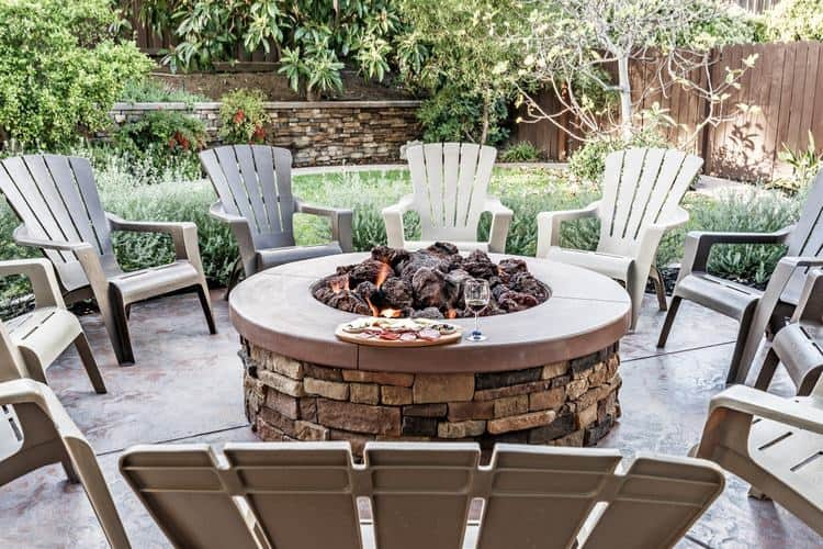 Creating a comfortable outdoor space in your back yard